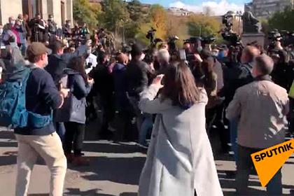 В Ереване начали задерживать противников Пашиняна
