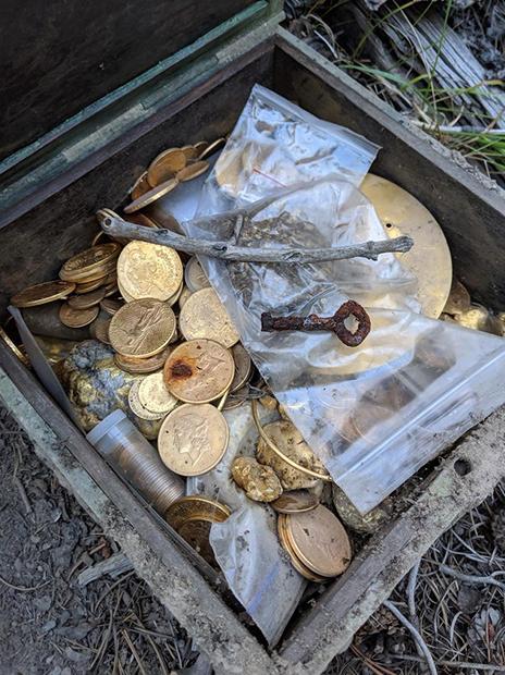 Ларец с сокровищами, оставленный в Скалистых горах