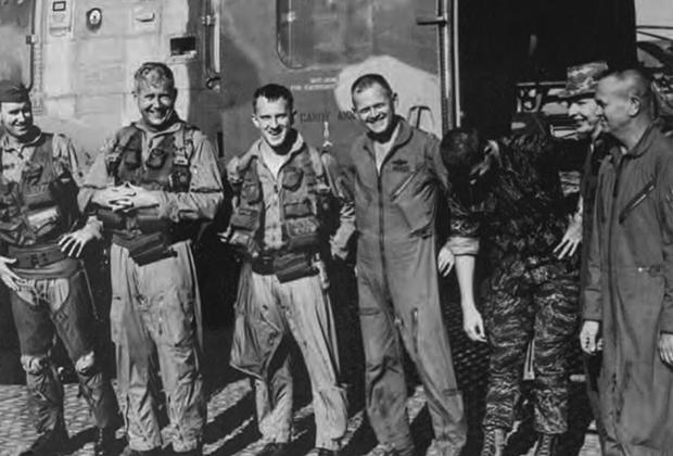 Форрест Фенн (слева) во время войны во Вьетнаме