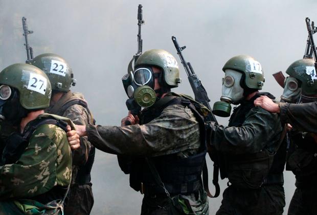 Бойцы спецназа ФСИН на ведомственных испытаниях