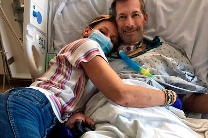 Мужчина заболел COVID-19 и лишился восьми пальцев на руках