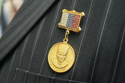 Чечня снова заказала золотые медали имени Кадырова с бриллиантами и рубинами