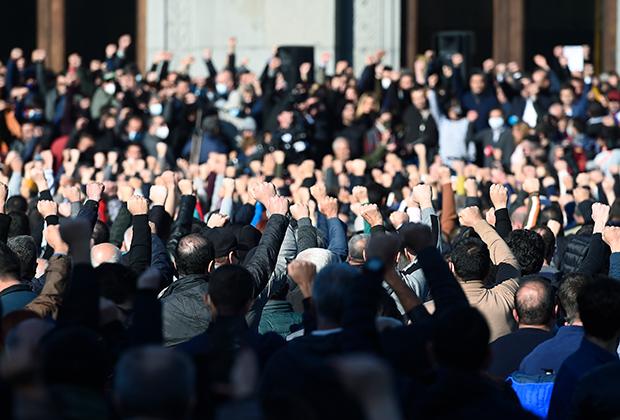 Митинг оппозиции на площади Свободы в Ереване