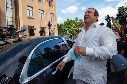 Одного из лидеров оппозиции Армении освободили
