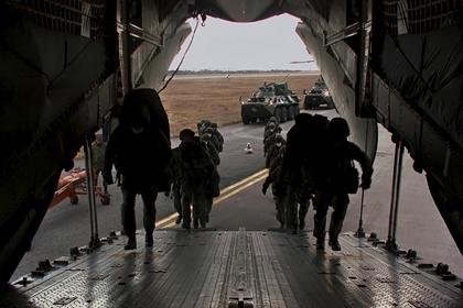 Военные эксперты оценили вооружение российских миротворцев в Карабахе