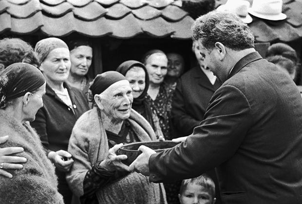 Свадьба в селе Хумалаг, Северо-Осетинская АССР, 1970 год