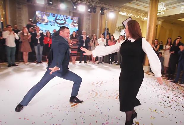 Танцы гостей на осетинской свадьбе