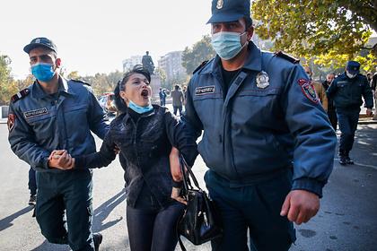 В Ереване задержали перекрывших улицы с требованием отставки Пашиняна