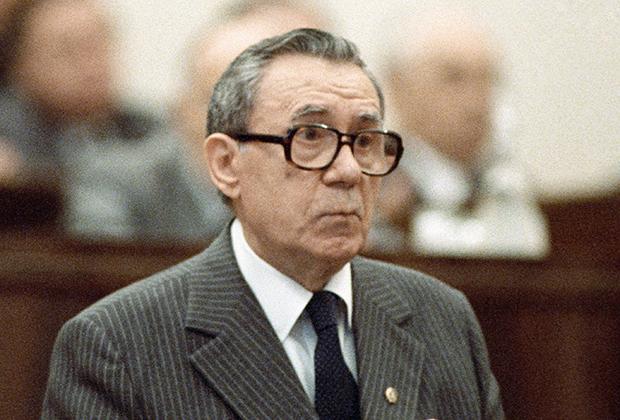 Председатель Президиума Верховного Совета СССР Андрей Громыко выступает на внеочередной сессии Верховного Совета СССР одиннадцатого созыва. 1988 год