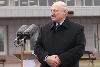 Лукашенко призвал ликвидировать патриотический пробел у белорусских мужиков