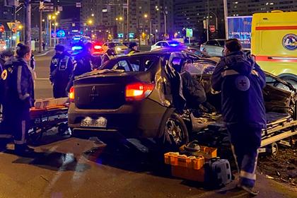 В Петербурге водитель люксового внедорожника устроил смертельную аварию