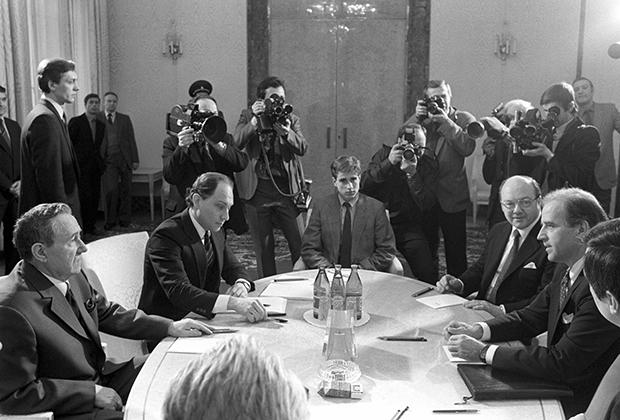 Андрей Громыко и Джо Байден в Кремле