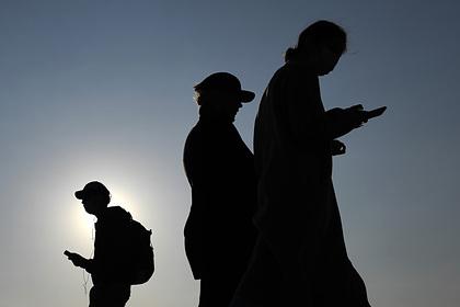На все смартфоны россиян обязали устанавливать 16 отечественных приложений