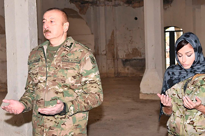 Алиев назвал церкви Карабаха достоянием Азербайджана