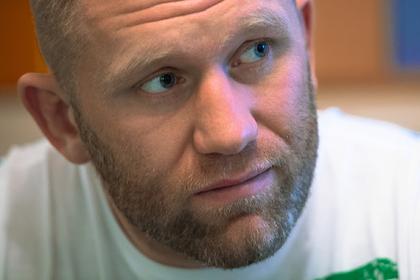 Харитонов помирился с избившим его бойцом