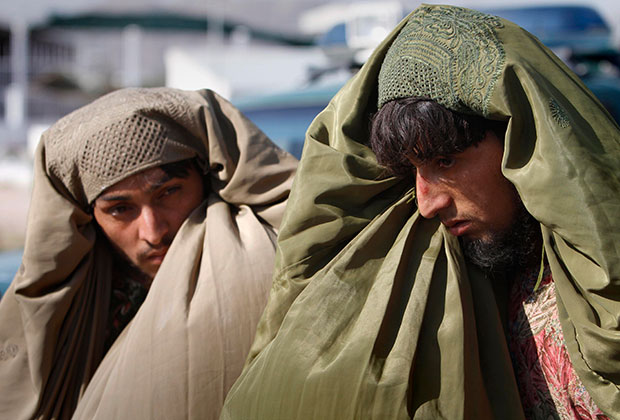 Задержанные бойцы-талибы, 2011 год