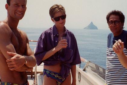 Появилось фото принцессы Дианы в плавках на роскошной яхте из 90-х