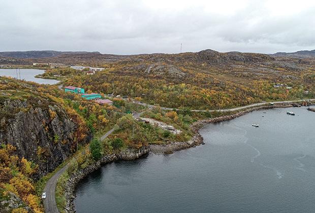 Вид на Печенгский залив в окрестностях поселка Лиинахамари Печенгского района Мурманской области