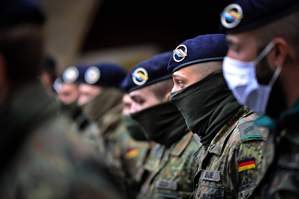 Уволенным из армии Германии геям выплатят денежные компенсации