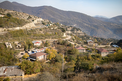 Жителям города в Карабахе велели срочно покинуть дома