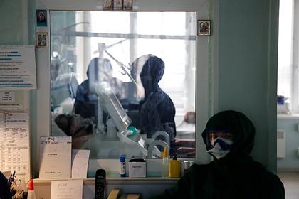 В Роспотребнадзоре назвали более подверженных заражению COVID-19 россиян