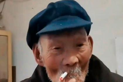 100-летний мужчина назвал секретом долголетия алкоголь и сигареты