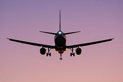 Работающую с властями США авиакомпанию уличили в связях с уголовниками из России