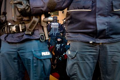 Полицию Варшавы пригрозили оставить без денег за их работу
