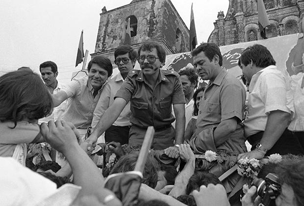 Даниэль Ортега и его сторонники, 1984 год