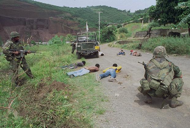 Американские войска во время вторжения на Гренаду, 1983 год