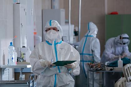 Недельная смертность пациентов с коронавирусом в России побила уровень августа