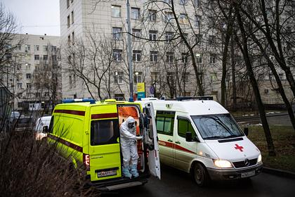 Врачи отказали в помощи россиянину с туберкулезом и коронавирусом