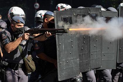 Неизвестная вооруженная банда обстреляла и разграбила второй город Бразилии
