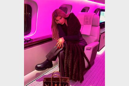 Кайли Дженнер обругали за хвастовство из-за фото в роскошном самолете