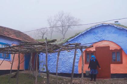 Исчезающее село с землянками восстановят ради туристов