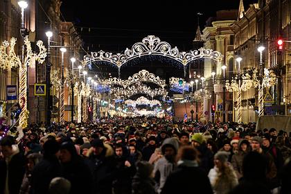 Власти Петербурга запретили работу кафе и ресторанов в новогодние выходные