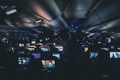 Российская стюардесса рассказала о самых нелепых попытках познакомиться на борту