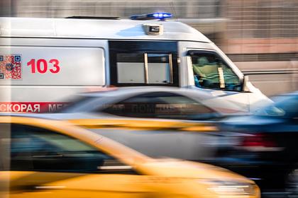 Пациент вылетел из машины скорой в момент аварии в Подмосковье и попал на видео