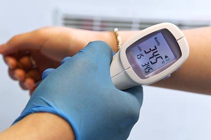В Роспотребнадзоре объяснили разную температуру у пациентов с COVID-19