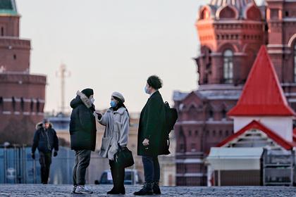 Врач предсказал появление коронавируса у всех россиян