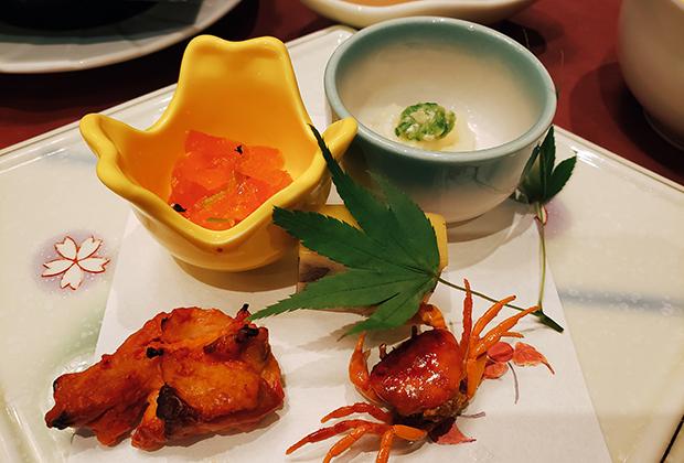 Примеры вариантов блюд из кайсэки. Таких разных мини-блюд приносят 10-12 порций