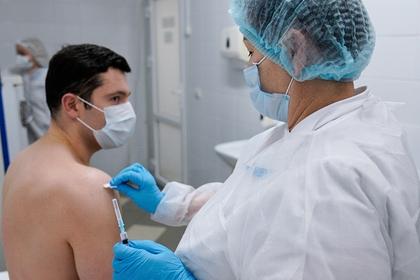 Россиянам предложили давать отгул после вакцинации от коронавируса