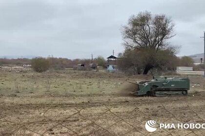 Разминирование местности в Карабахе российскими саперами показали на видео