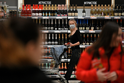 Россиян успокоили по поводу дефицита вина перед Новым годом