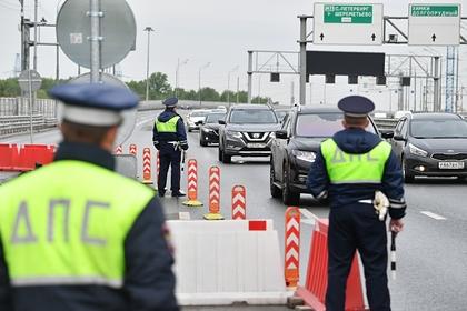 Российским гаишникам захотели дать право изымать документы на машину