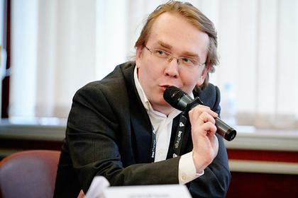 Олег Артамонов