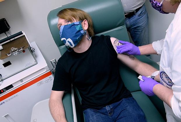 Клинические испытания вакцины от коронавируса совместной разработки Pfizer и BioNTech
