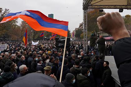 В Ереване начали задерживать требующих отставки Пашиняна