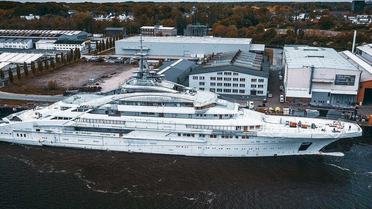 Для российского миллиардера построили 142-метровую суперъяхту: Движение:  Ценности: Lenta.ru