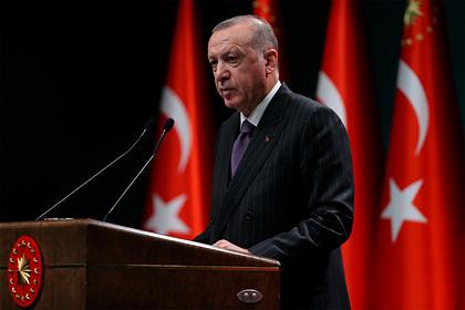 Эрдоган обвинил США в атаке на суверенитет Турции